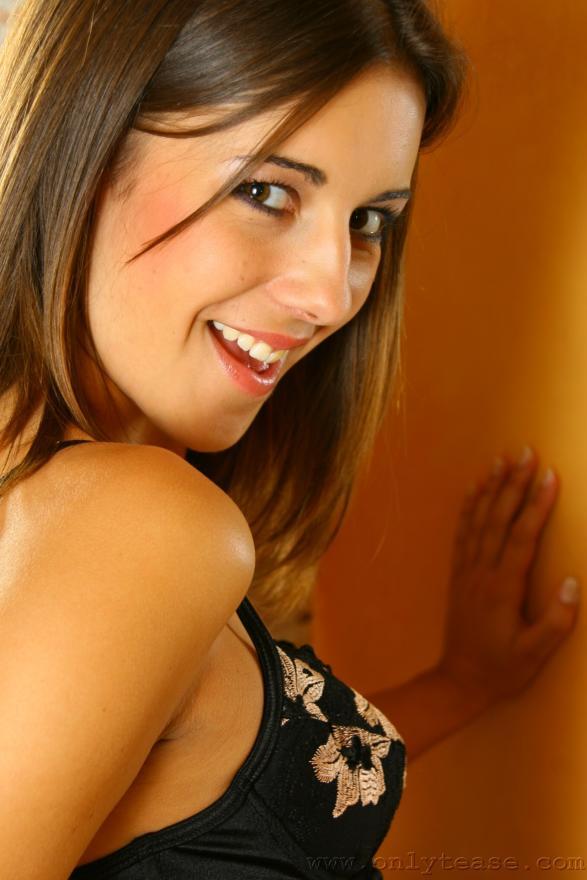Young brunette amateur tube